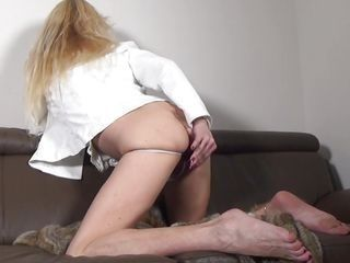 savanna masturbates with dildo